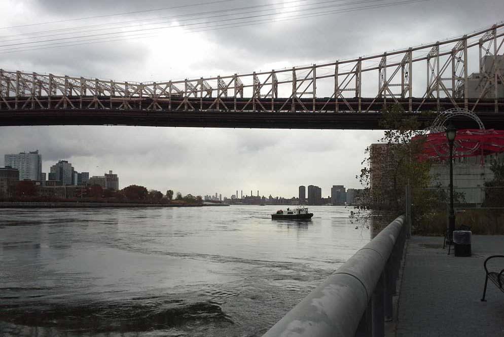 Bridge Boat1